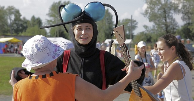 At the Russian Mosquito Festival, the more bites the better