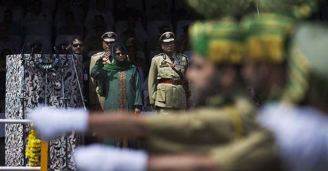 1 Indian soldier, 4 rebels killed in gunbattles in Kashmir