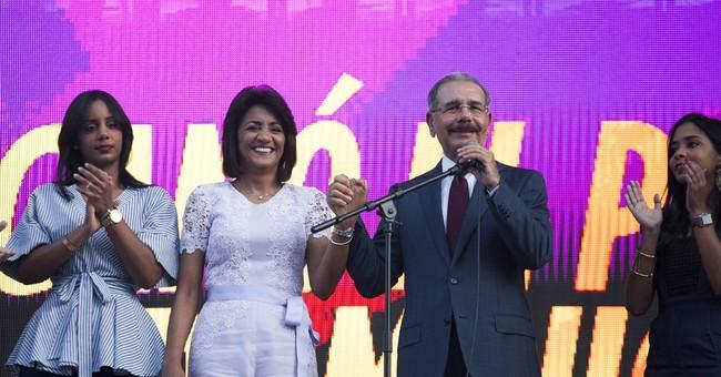 Dominican leader assumes 2nd term, pledges tech revolution