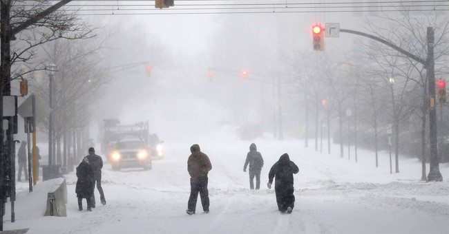 East Coast, emerging from blizzard, faces difficult commute