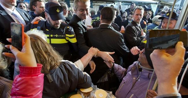 Anti-Islam Dutch lawmaker gains support amid migrant crisis