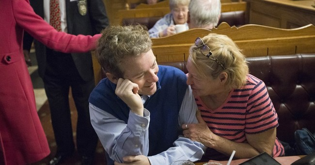 Bush upbraids Trump at New Hampshire Republican forum