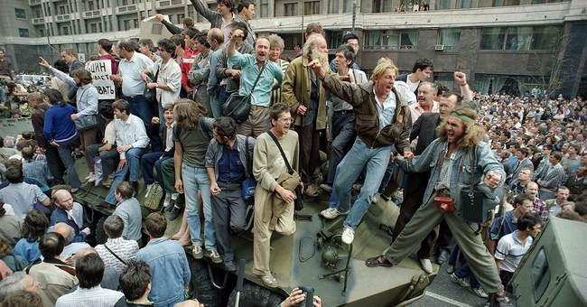 Russia marks 25th years since failed Soviet coup