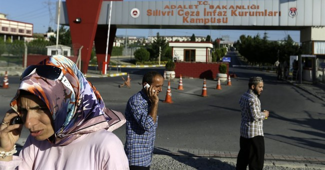 Turkey to release 38,000 from jail; frees space for plotters