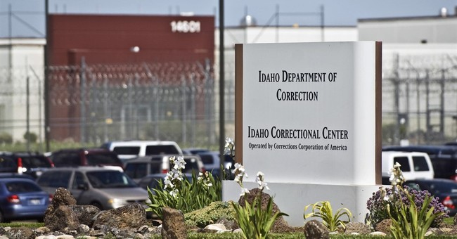 Obama administration to phase out some private prison use