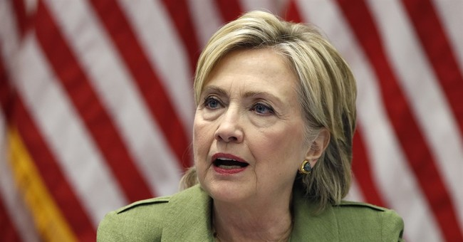 In spite of email controversy, Clinton holds edge over Trump