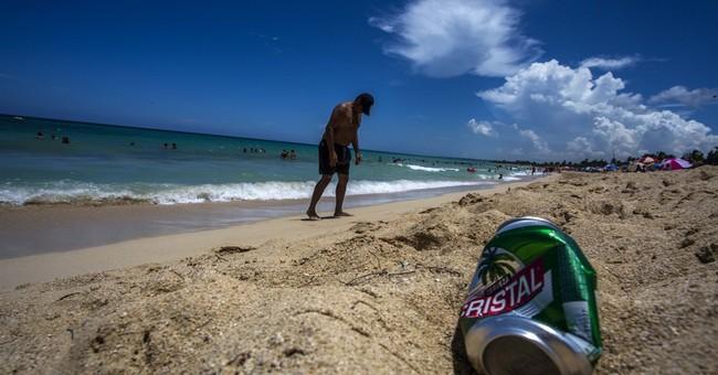 Cubans, tourists bemoan trashing of island's beaches