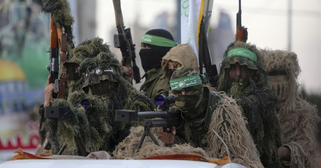 Palestinian rocket strikes Israel, drawing Israeli reprisal