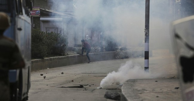 Indian forces fire at Kashmir protesters, killing 1