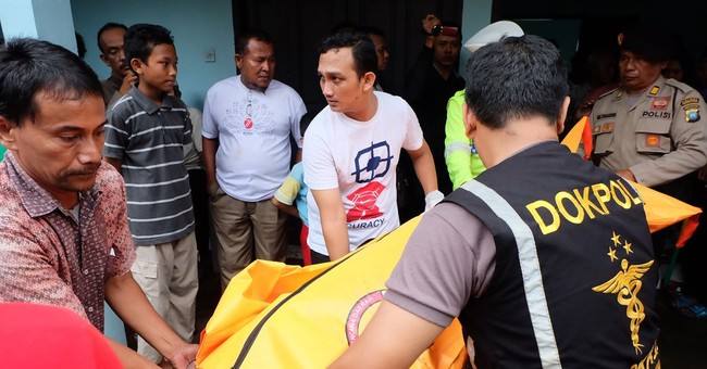 Indonesia recovers all 15 victims from sinking of tour boat