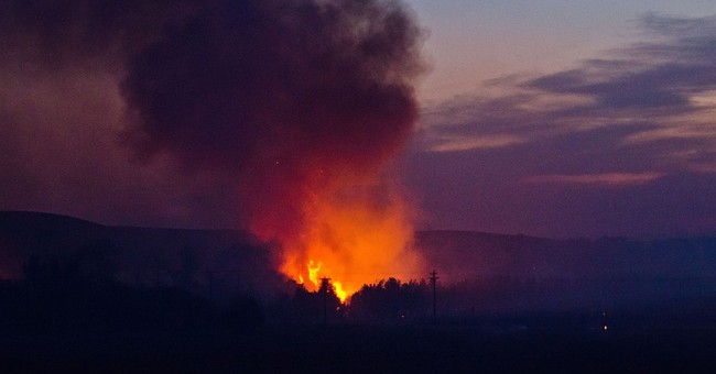The Latest: At least 6 homes destroyed in Washington fire