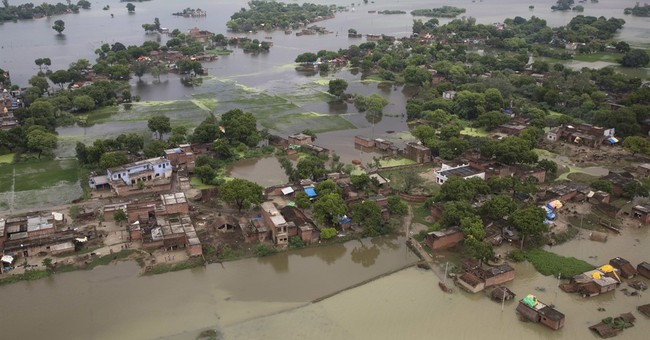 Image of Asia: Floodwaters cover low-lying land in Allahabad