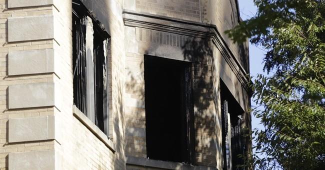 Police: 3 children, man die in Chicago apartment fire