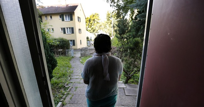 Raped and tortured by IS, Yazidi women recover in Germany