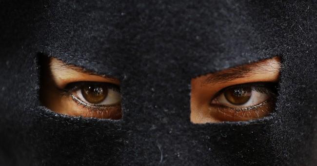 French lawyers seek overturn on burkini bans; verdict Friday