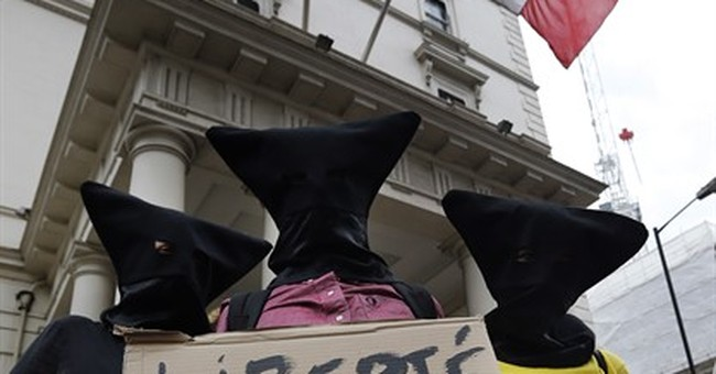 Some 30 demonstrators in London protest French burkini ban