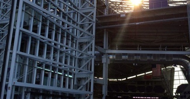 New stadium still working out kinks for 1st Vikings game