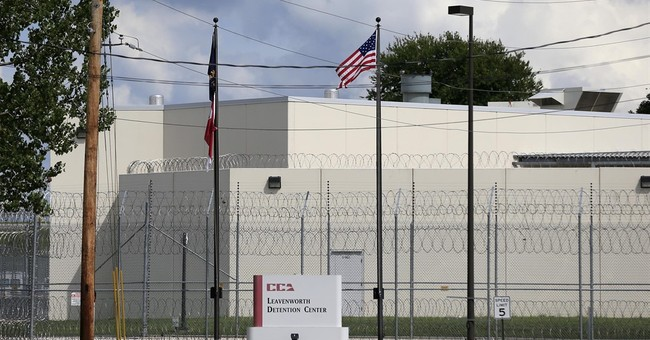 Defense attorneys clash with prison over recorded meetings