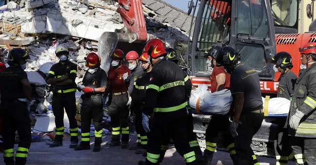 Quake damaged roads threaten access to Italy town