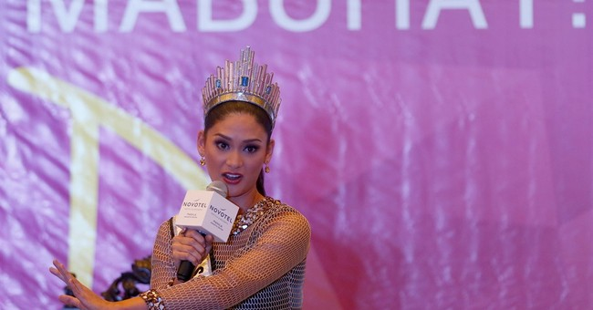 Miss Universe winner says next dream is to be a Bond girl