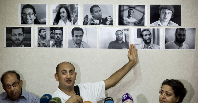 Egypt court releases lawyer who defied president