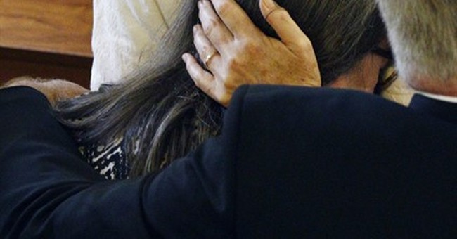 The Latest: Over 300 attend ceremony for Mississippi nuns