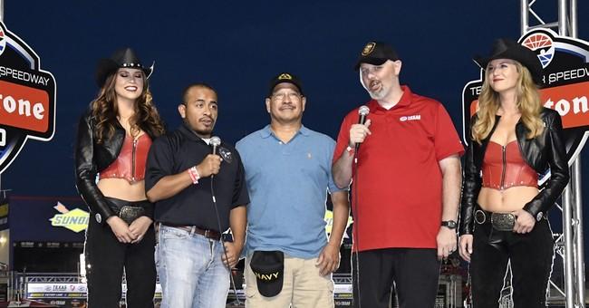 Rahal makes last-lap pass to win IndyCar race at Texas