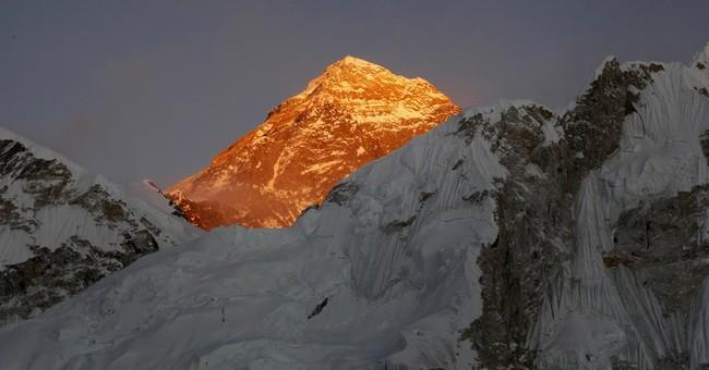 Nepal says Indian couple faked Everest climb