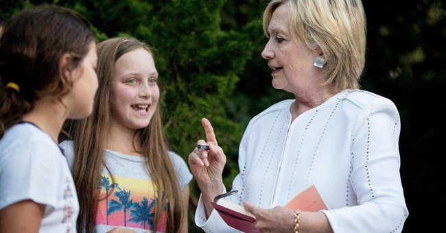 Clinton wraps up Hamptons fundraising swing