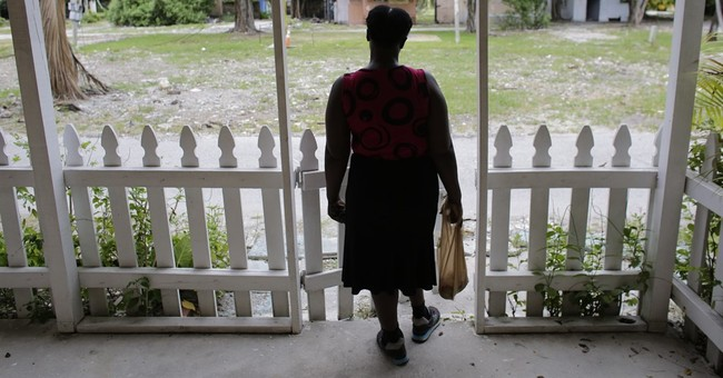 """Evicted at trailer park """"paradise,"""" residents seek new homes"""
