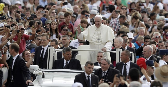 Pope assumes responsibility for migrants in Vatican reform