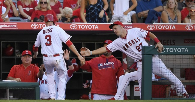 Angels' Trout involved in car crash after game, not hurt