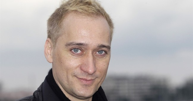 DJ Paul van Dyk: Accounts hacked, racist messages posted