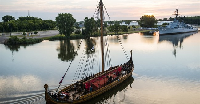 Viking ship heading down Erie Canal, to reach NYC Thursday