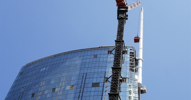 Los Angeles skyscraper tops out as tallest Western building