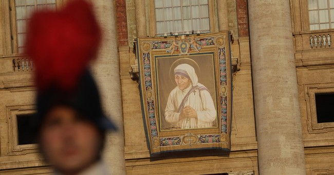 Mother Teresa: 'Saint of  the gutters' canonized at Vatican