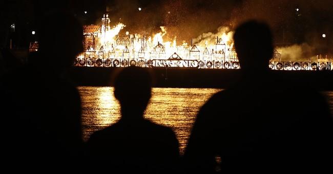 London model set ablaze to mark Great Fire anniversary