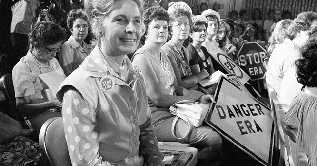 Far-right activist, author Phyllis Schlafly dies at 92