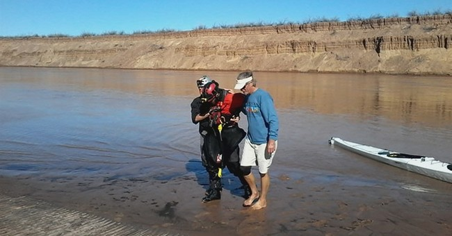 Man vs. rapids: Kayaker sets record Grand Canyon river trip