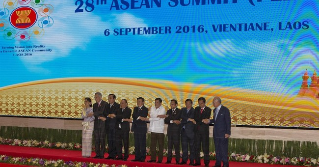 Southeast Asian summit opens, overshadowed by Duterte flap