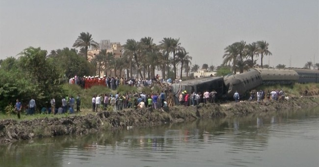 5 killed in train derailment south of the Egyptian capital