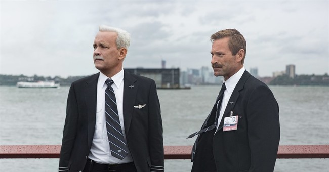 Review: Eastwood's 'Sully' stubbornly refuses to soar