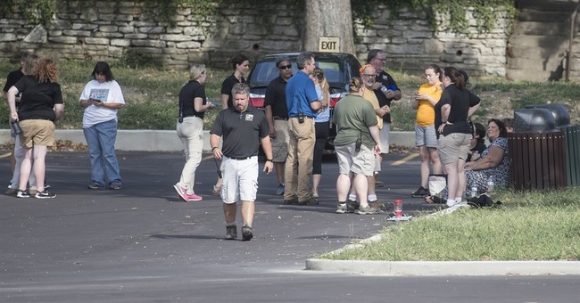 No suspicious packages found after threat at Cincinnati zoo