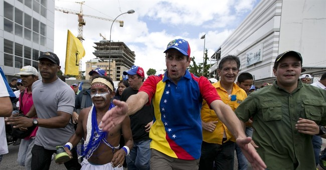Venezuela opposition leader delayed by govt backers