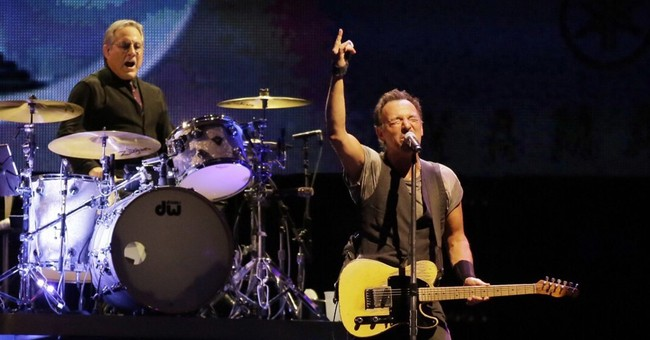 Bruce Springsteen again breaks record for longest US show