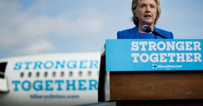 With a new plane, Clinton courts media on the campaign trail