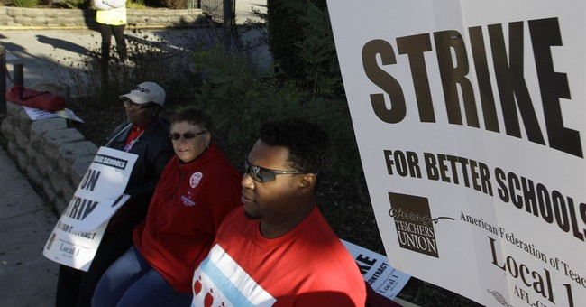 Threat of strike looms over start of Chicago school year