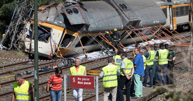 Passenger train derails in Spain, killing 4 and injuring 47
