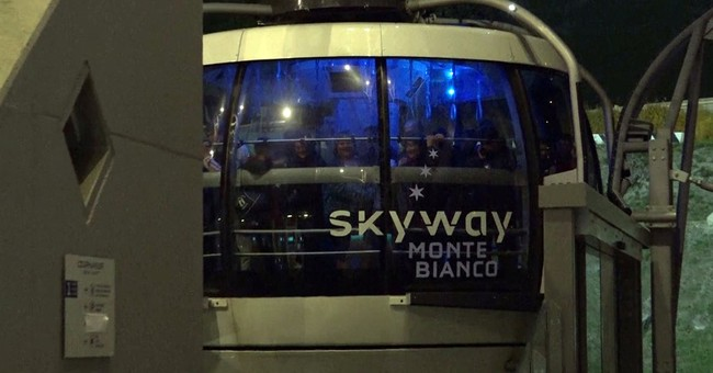 45 people stuck overnight in cable cars at Mont Blanc