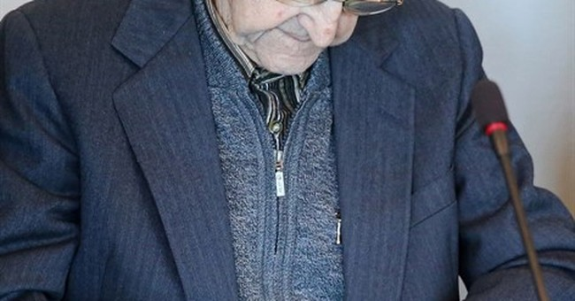 Trial of SS medic who served at Auschwitz begins in Germany